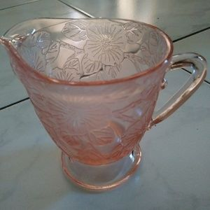 Depression glass from 1930's dogwood pattern